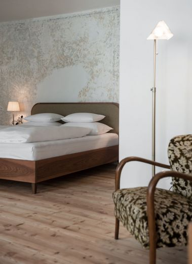 Boutique Bedrooms at the Gasthaus Reichhalter 1477 Lana, South Tyrol - new design hotel guesthouse Italy