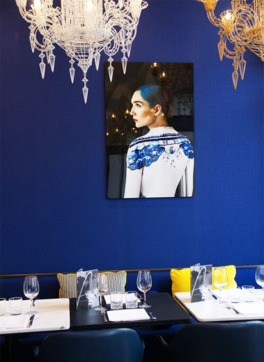 Blue walls of the famous foodie haunt in Geneva, Arthurs Rive Gauche, interiors, modern design