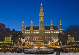 Christmas Market Vienna in front of the City Hall