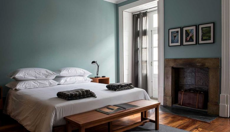 Suites at A Bela Aurora Guest House and designer Bed & Breakfast in Porto Portugal