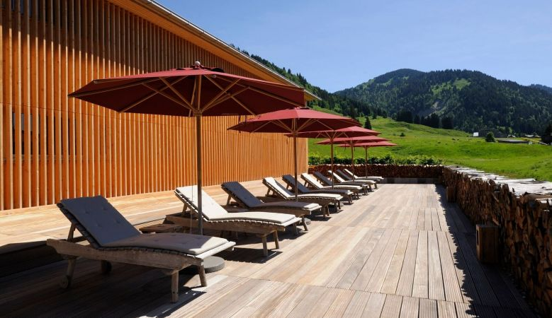 Sun Terrasse in the Allgäu Mountains, Hotel Hubertus Alpin Lodge and Spa, snow, chill, relax in the alps