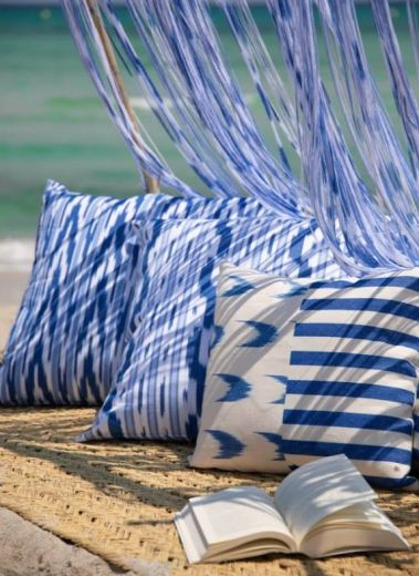 Cushions Mediterranean style IKAT Blue & white textile from Mallorca, that bears a characteristic pattern obtained by the process of resist dying, and the island of Mallorca is the only place where you can still visit family-run workshops that have been o