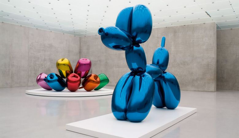Jeff Koons inflatatables at the exhibition at NYCs Gagosian Chelsea Gallery