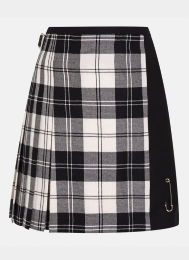 Le Kilt The Mix and Match is a modern take on our Classic kilt hand crafted in Scotland made from 100% British wool.