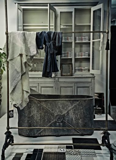 Garbo Interior, clothes rack, design, stockholm, sweden, scandinavia, shopping, luxury, vintage, classic, textiles