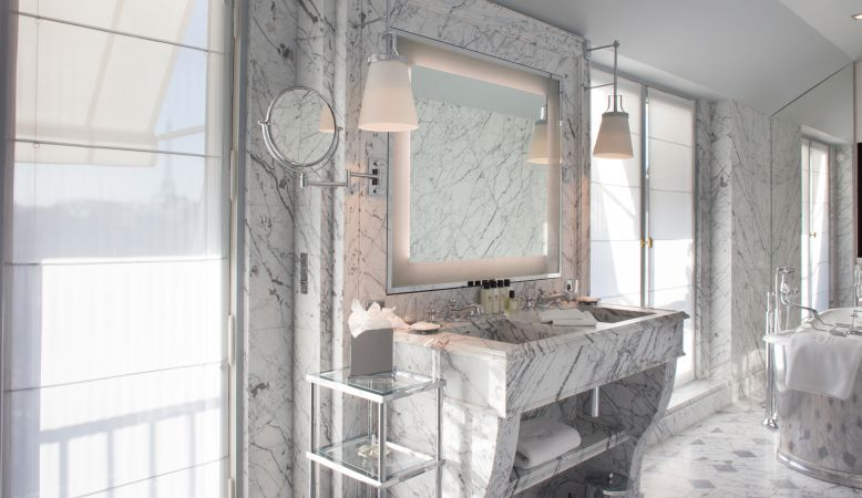 La Reserve Paris Suites  - Luxury Hotel Suite Bathroom in marble at La Reserve Hotel Paris by Jacques Garcia. Michel Reybier Hospitality
