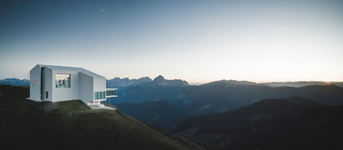 A photography exhibition 'Messner meets Messner' by Lumen opens this winter at the heart of the South Tyrolean Mountains and Dolomites on the top of Mount Kronplatz.