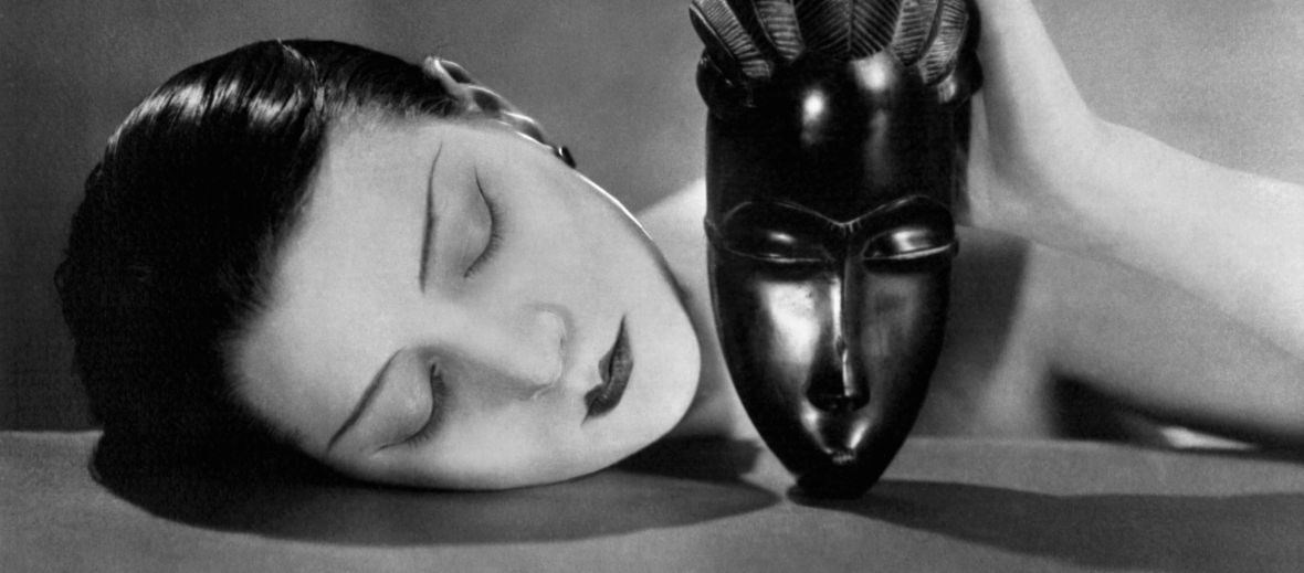 Man Ray's oeuvre beyond photography in the spacious rooms of Bank Austria Kunstforum,