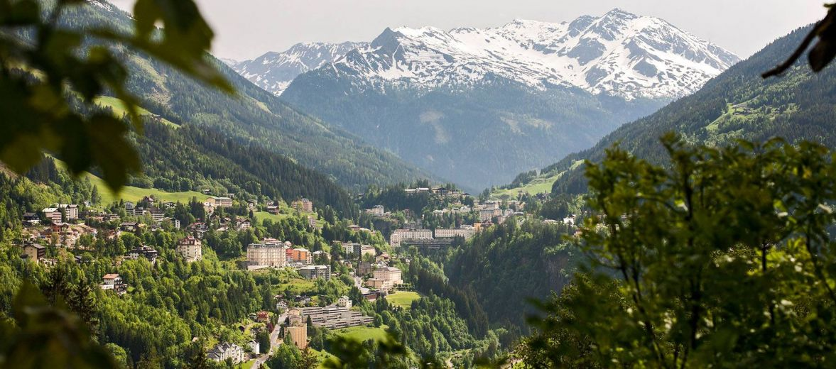 Miramonte Hotel Bad Gastein - view overlooking the valley and mountains