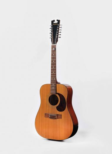 Acoustic guitar from the 'Space Oddity' era, 1969. Courtesy of The David Bowie Archive. Image © Victoria and Albert Museum, David Bowie, exhibition, gallery, Museu Del Disseny, Barcelona