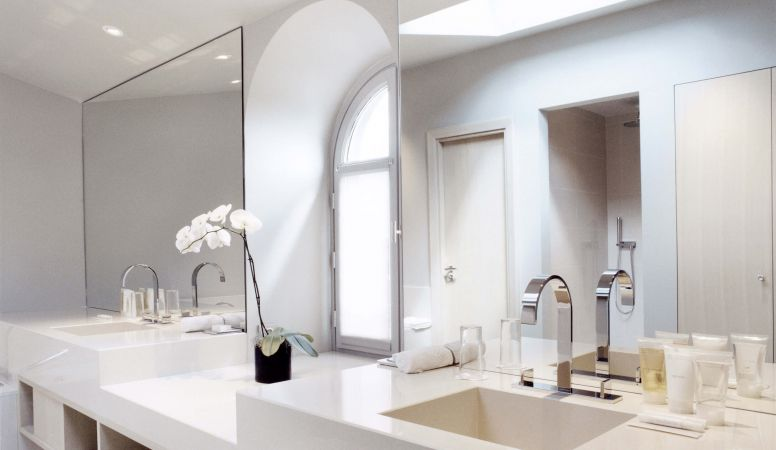 Bathroom Luxury Serviced Apartments by La Reserve Paris, modern contemporary interior design