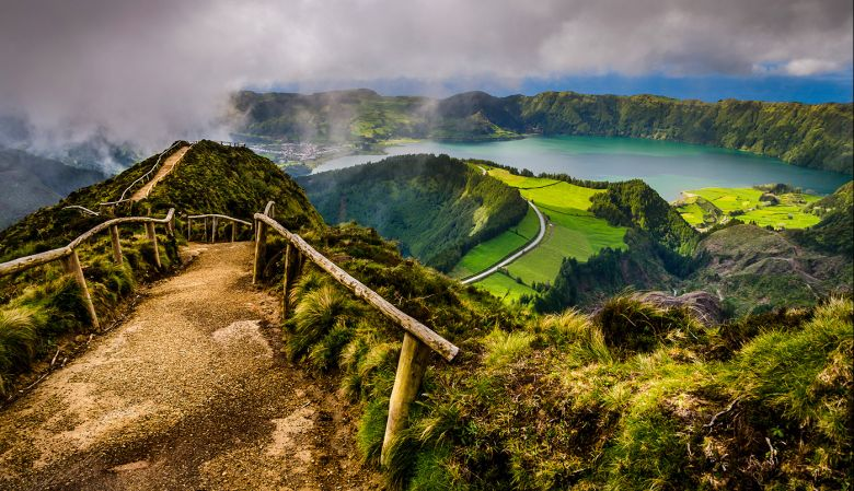 Pathway to the Twin Lakes, Sao Miguel