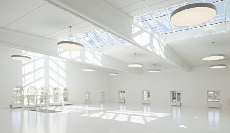 Färgfabriken gallery space for art exhibitions, theatre, dance, music, design, Stockholm, Sweden, Scandinavia, art, nordic, white room with lots of light