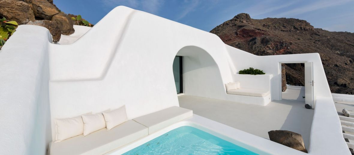 Romantic Villa Charissa Aenaon Villas Santorini, cycladic architecture, luxury cave suite, white, private pool, Greece - designed by Elly Alexiou (Architect) and Maria-Christina Alexiou