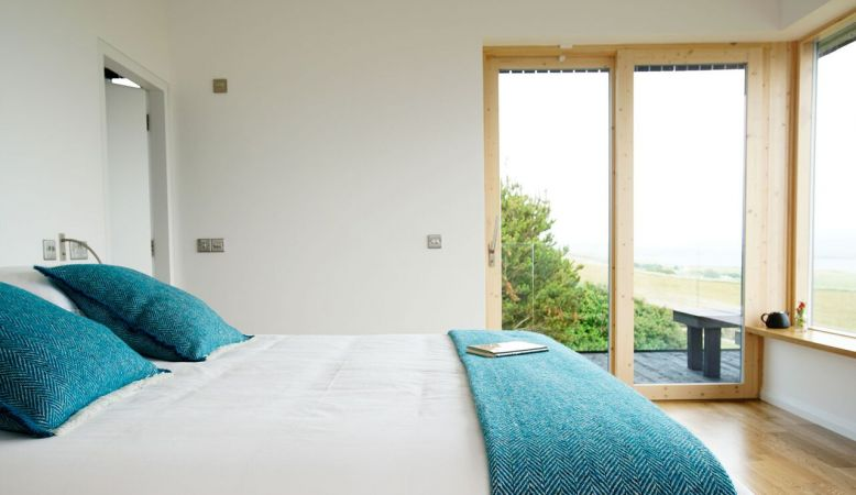 Spacious luxury bedrooms - Breac.House Donegal Ireland- small design Bed & Breakfast at Horn Head Peninsula, coastline and mountains of Ulster.